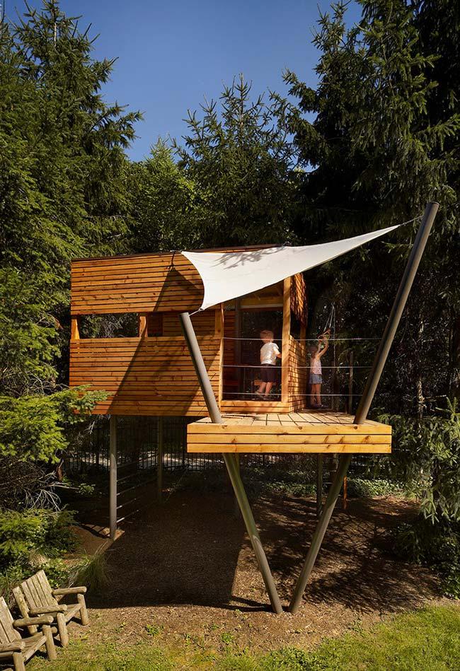 essa casa na árvore vai ser o cantinho mais divertido para as crianças