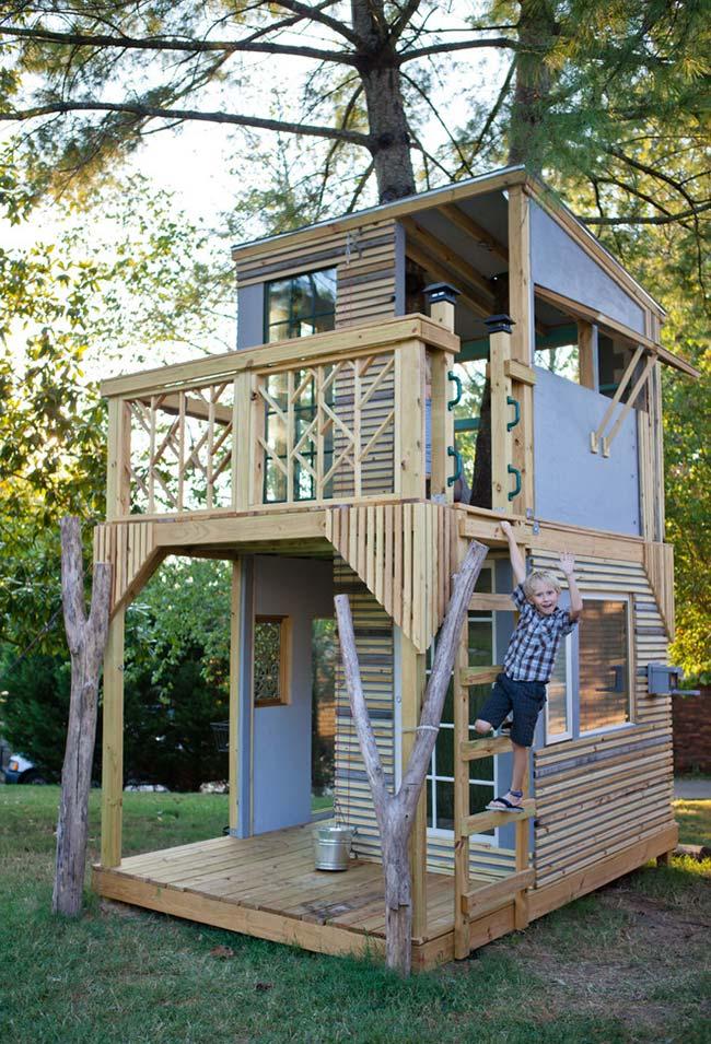 Mesmo sem ser nas alturas, as casinhas de madeira fazem o maior sucesso entre as crianças