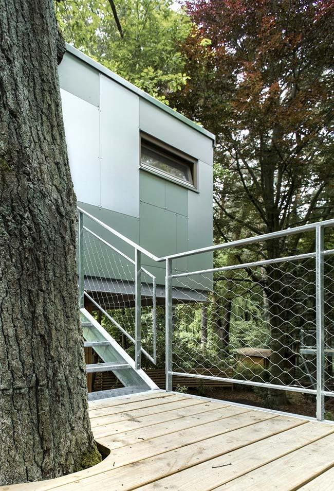 Não é só a madeira que criar casas na árvore incríveis