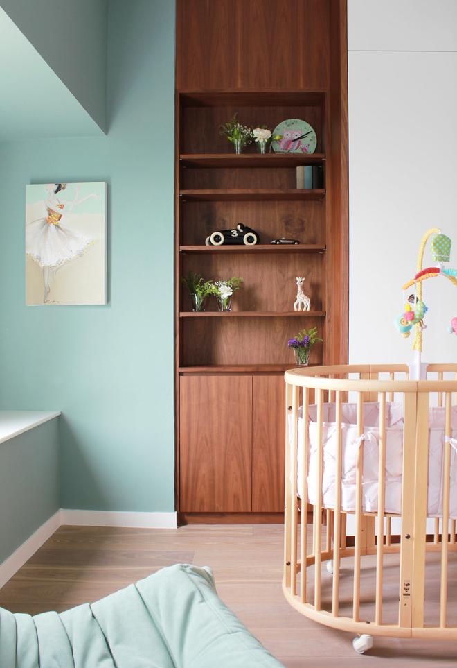 Os tons de verde-água ou verde-piscina também ficam incríveis e trazem essa aura de tranquilidade para dentro do quarto do bebê