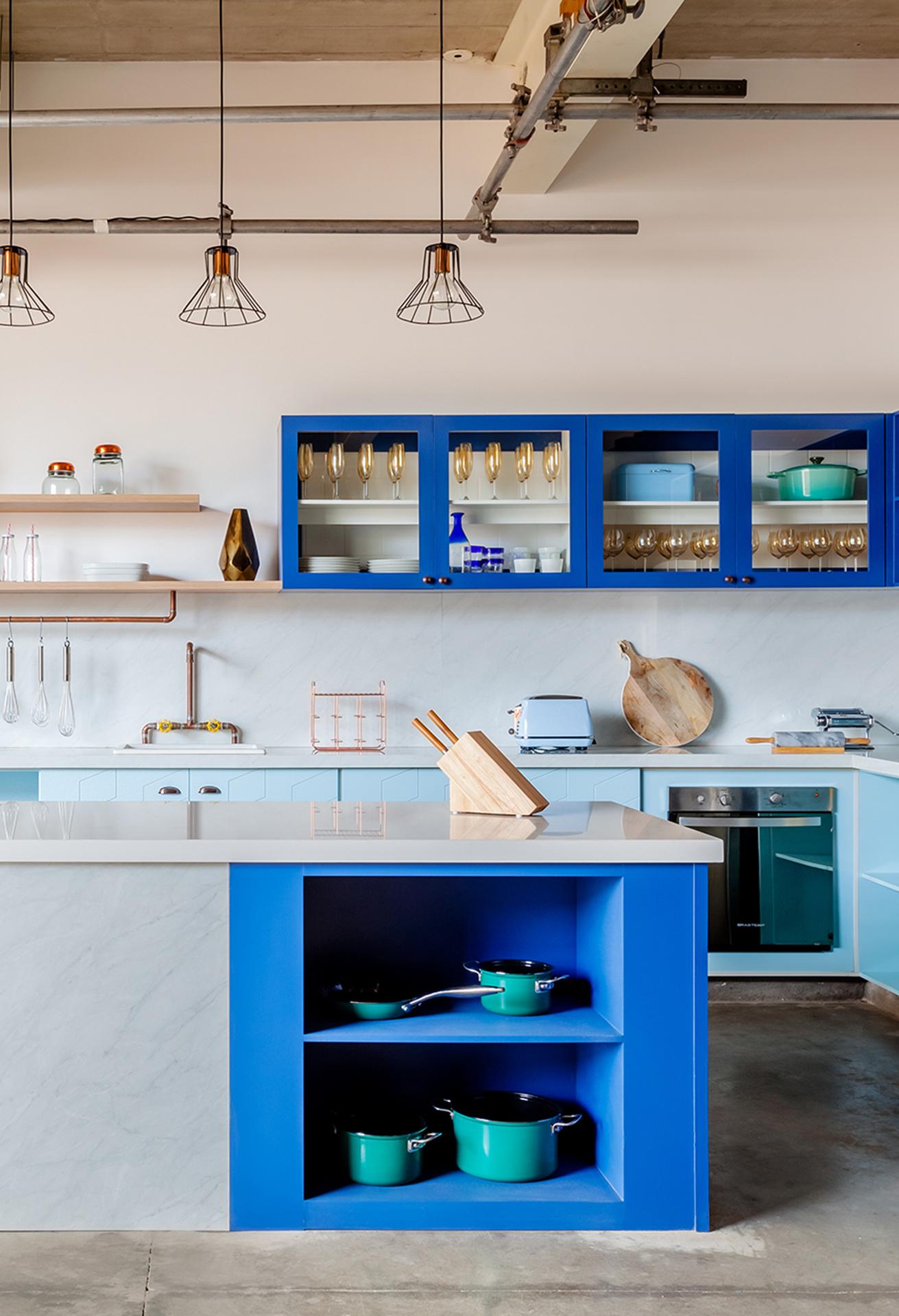 Cozinha colorida planejada