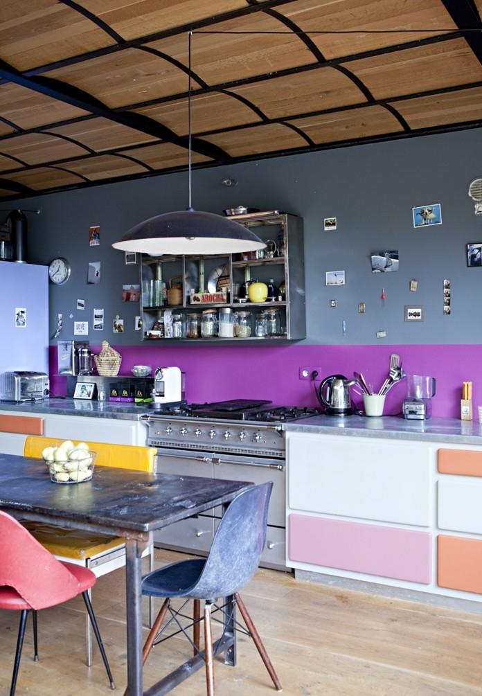 Uma cozinha ampla, cheia de cores e criatividade: o objetivo é ir compondo de forma a deixar o ambiente com a sua personalidade!