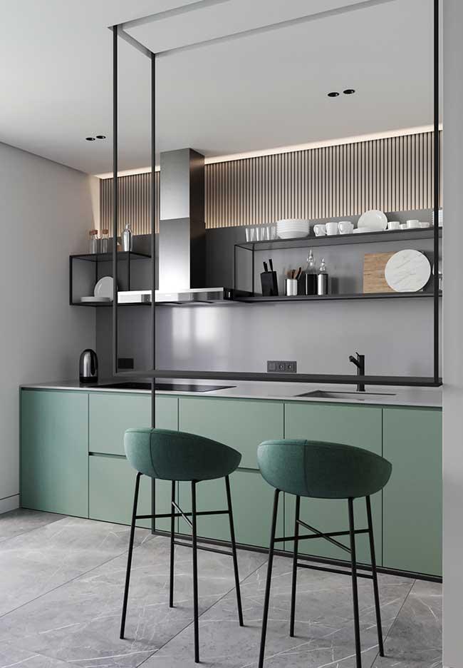 Cozinha moderna decorada em tons frios
