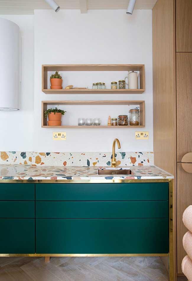 Adicione toques de cores e deixe a sua cozinha moderna mais divertida e alegre