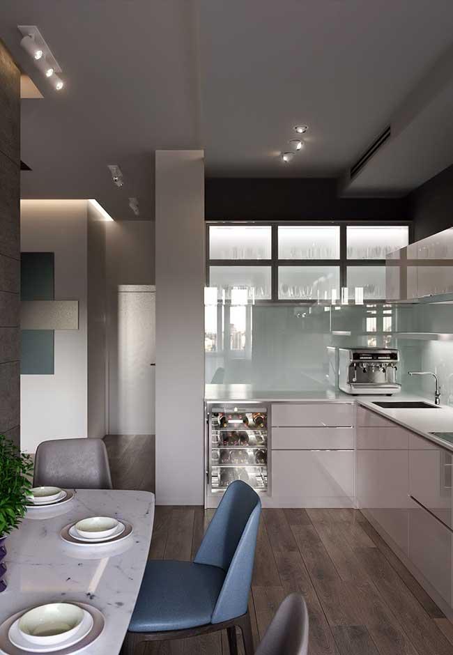 Uma ideia de cozinha moderna em tons pastéis