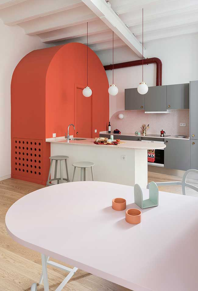 Aposte também nas linhas curvas para a sua cozinha moderna