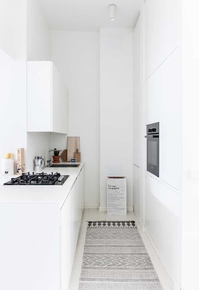 Cozinha pequena minimalista
