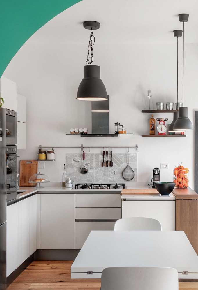 E a tendência das cozinhas P&B funcionam muito bem em espaços pequenos ou grandes