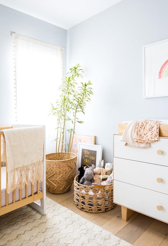 Um toque natural: traga um pouquinho do verde da natureza para dentro da decoração do quarto de bebê