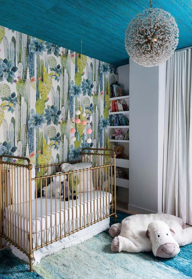 Outra decoração de quarto de bebê com papel de parede