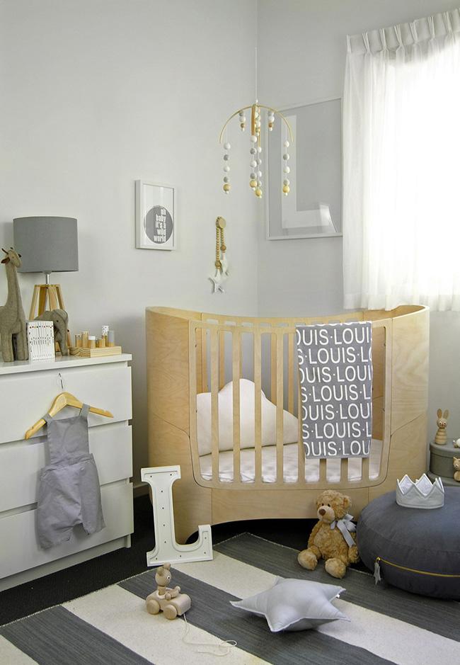 Cinza e branco para a decoração de quarto de bebê masculino