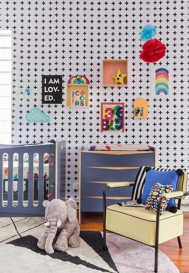 Mais um exemplo de quarto cheio de cores e padrões para levantar o astral e brincar muito
