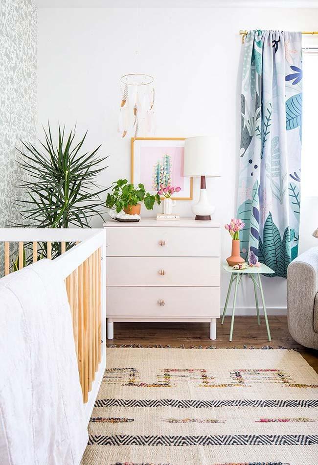 Mais uma decoração de quarto de bebê com plantinhas