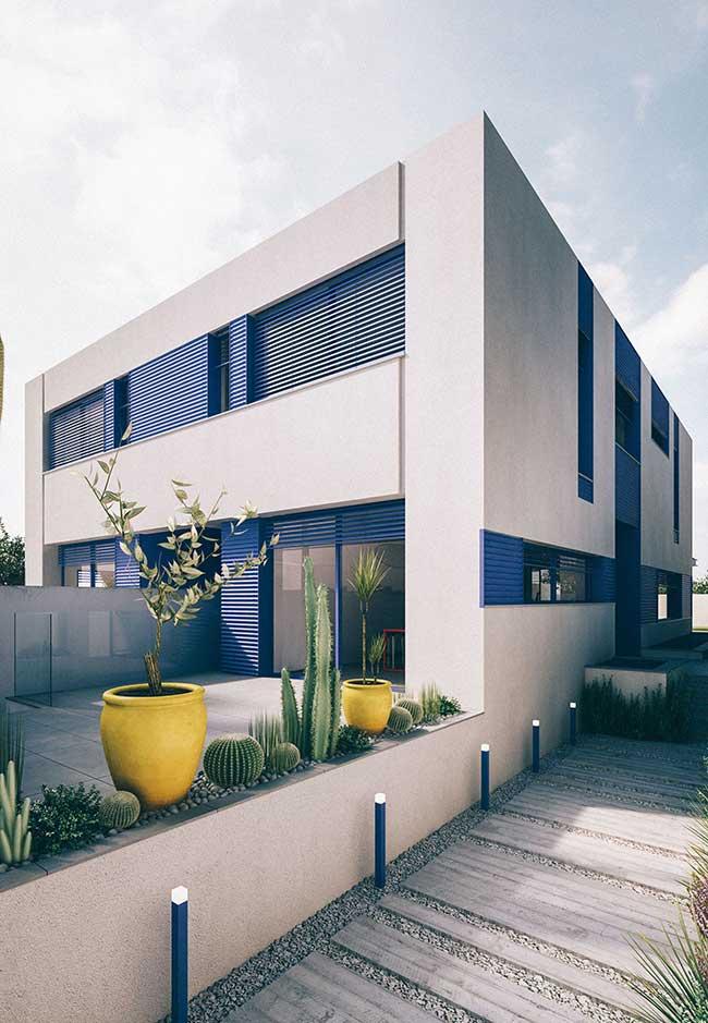 Nessa fachada de casa, a escolha das cores foi fundamental