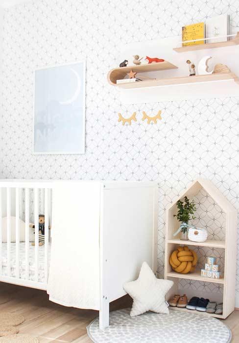 Padrão de círculos neste papel de parede para quarto infantil unissex