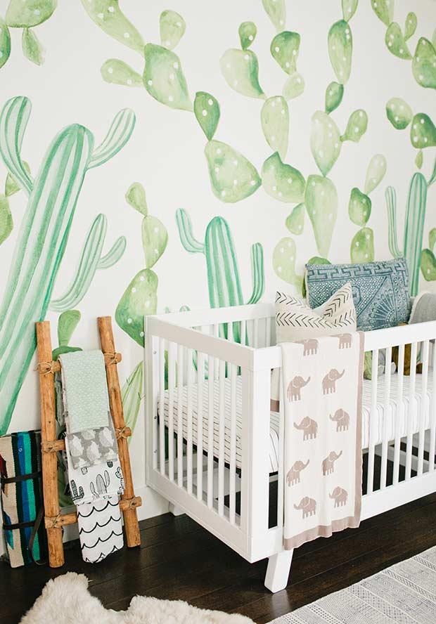 Papel de parede para quarto de bebê cactos