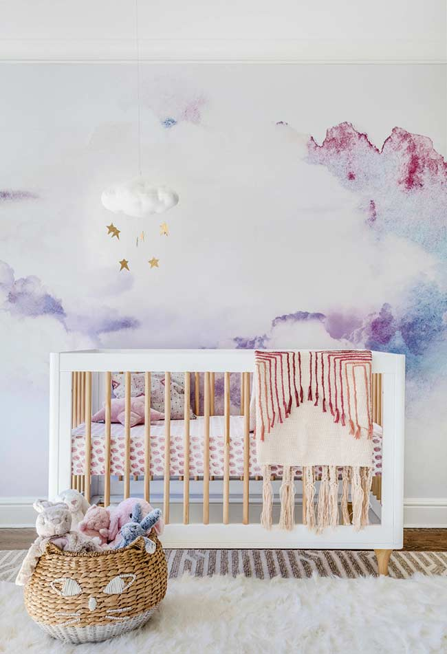 papel de parede aquarelado que lembra um céu cheio de nuvens fofas