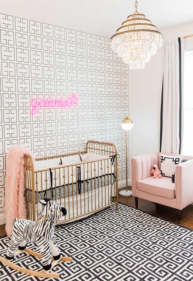papel de parede para quarto de bebê combinando com o padrão do tapete
