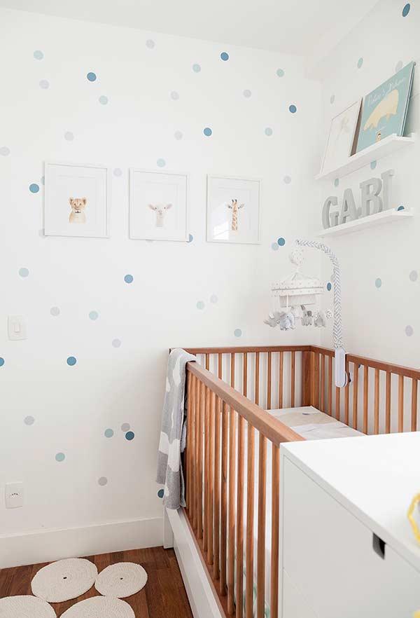 papel de parede para quarto de bebê com bolinhas