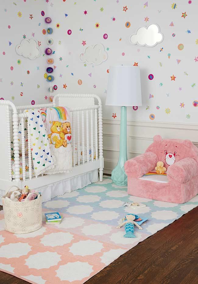 papel de parede para quarto de bebê divertido