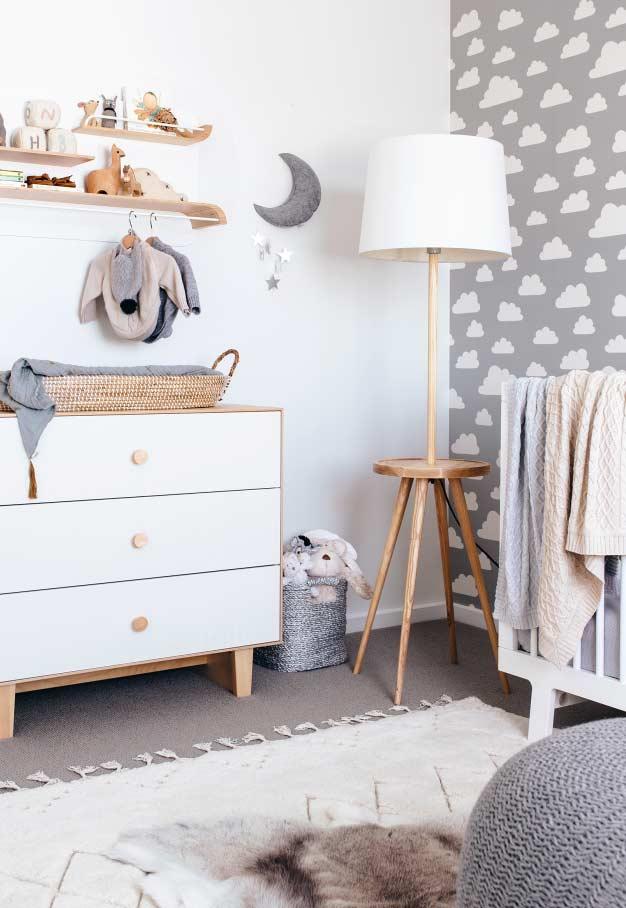 papel de parede para quarto de bebê nuvens