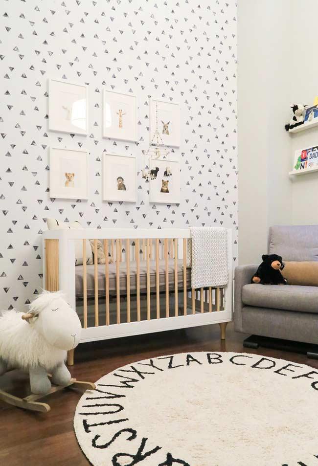 decoração escandinava para quarto de bebê com papel de parede
