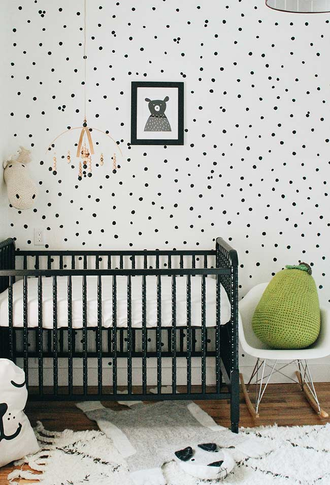 apel de parede branco para um quarto de bebê