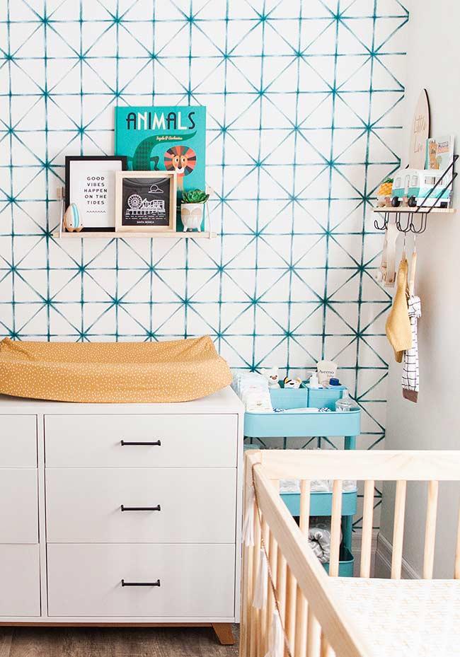 papel de parede para quarto de bebê em uma decoração colorida e contemporânea