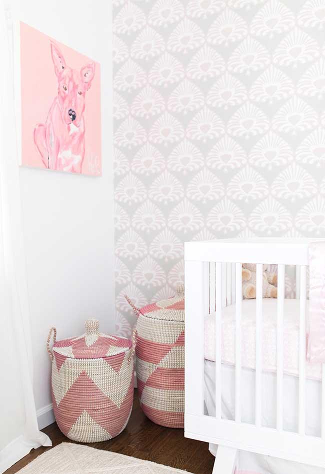 Quarto de bebê menina rosa e branco