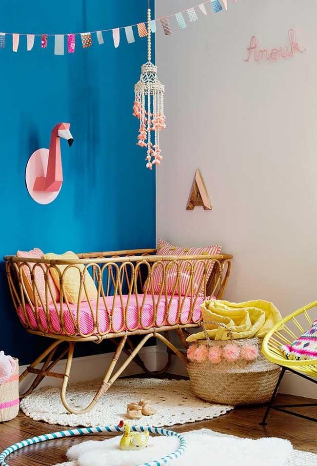 Super colorido e cheio de afetos: decoração de quarto de bebê feminino para brincar e explorar