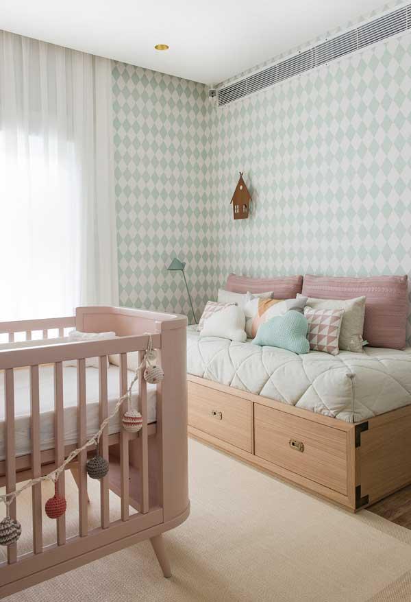 O verde claro é outra cor que funciona muito bem como fundo de quarto de bebê, tanto para meninos quanto para meninas!