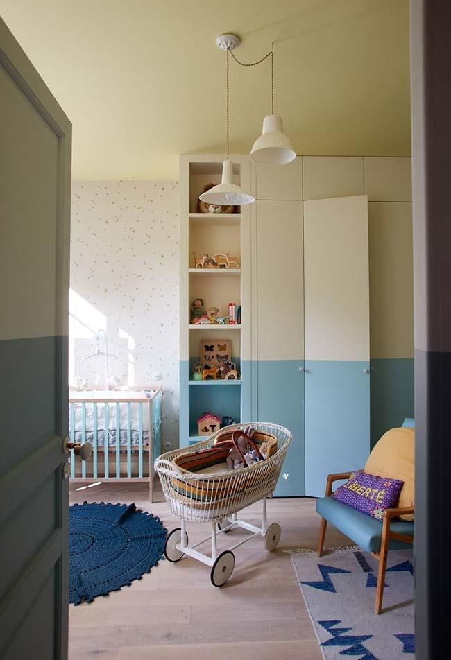 E para quem não abre mão de um guarda-roupas, que tal personalizá-lo com as cores do quarto também?