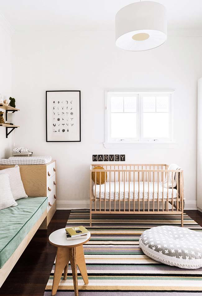 E para as decorações mais neutras, utilize cores no tapete e chame a atenção!