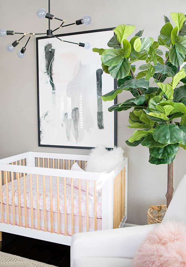 As áreas de canto podem ser utilizadas para inserir plantinhas: assim você não perde espaço e consegue fazer uma decoração mais fresca e natural