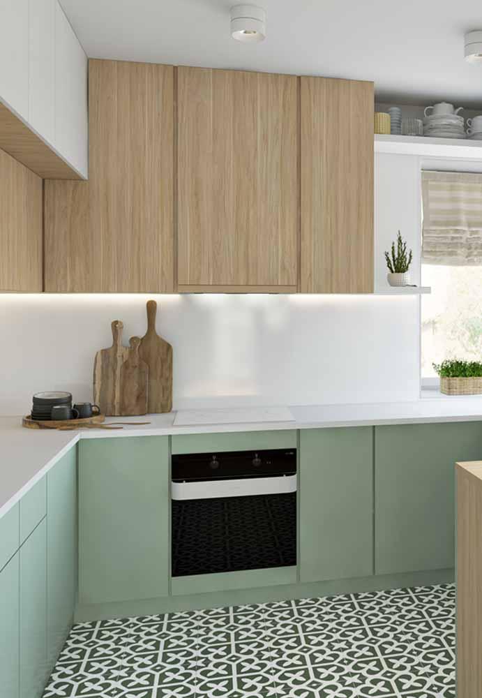Madeira e verde trazem o clima da natureza para dentro da sua cozinha
