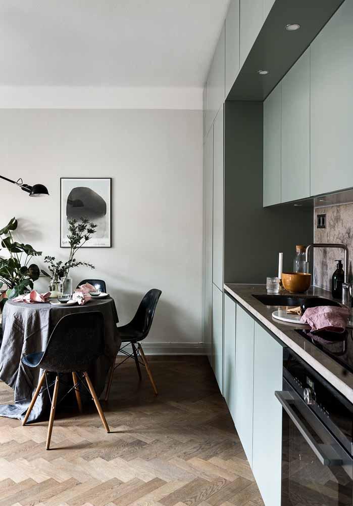 Além do verde-menta, existem outros tons claros de verde que ficam perfeitos em decorações mais delicadas e cheias de frescor