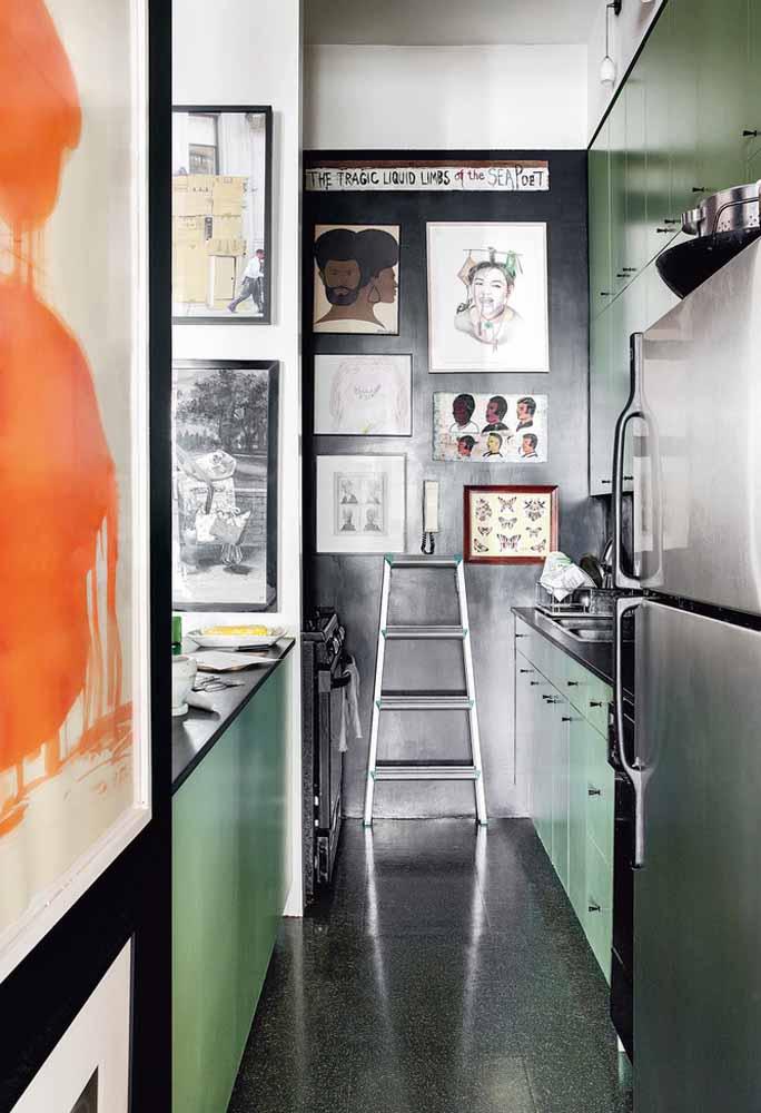 Uma ideia super contemporânea e artística para a cozinha em verde e preto