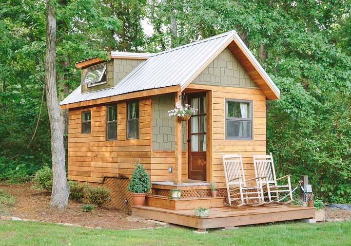 Para quem busca paz e sossego, uma casinha como essa em meio à natureza é perfeita