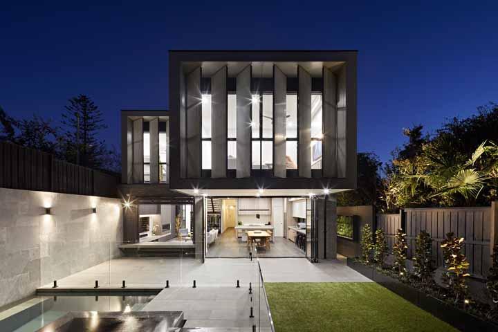 Planeje sua casa de uma forma que ela possa ser bonita de dia e encantadora de noite