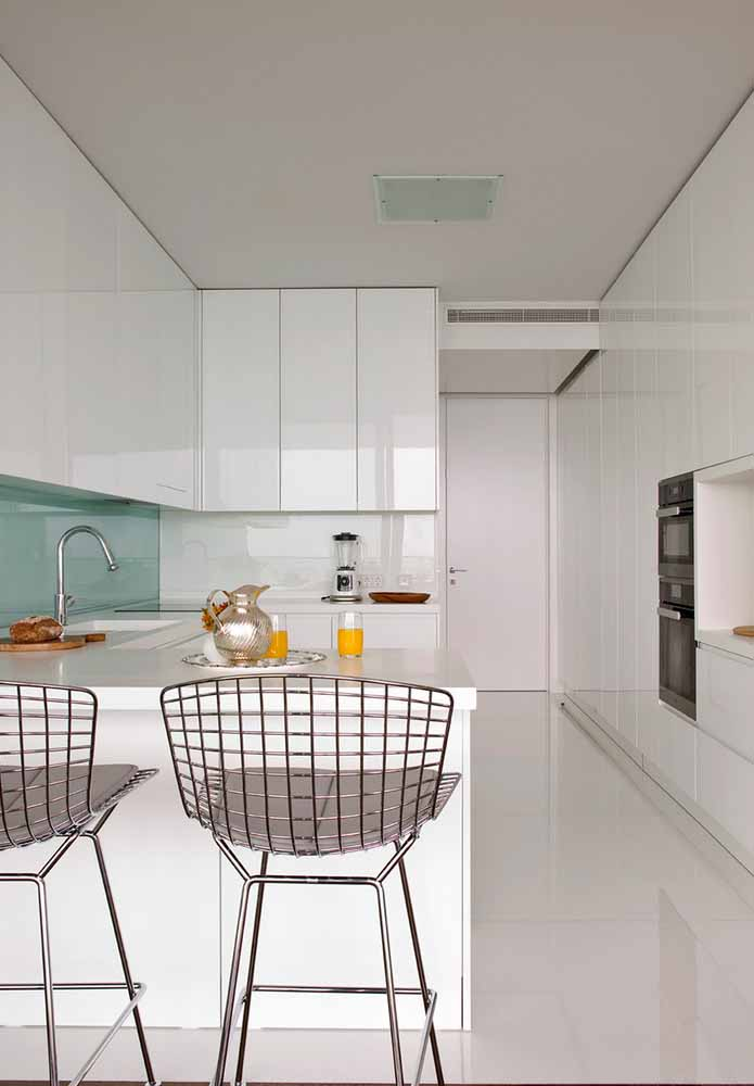 Cozinha de luxo para apartamentos pequenos: dê preferência para criar um ambiente confortável, organizado e com elementos que facilitem o seu dia-a-dia sem perder o estilo