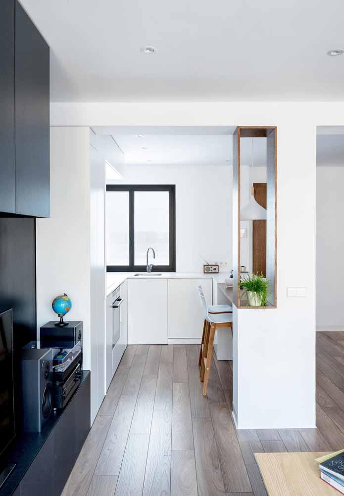 Cozinha simples e minimalista para lofts ou apartamentos conjugados