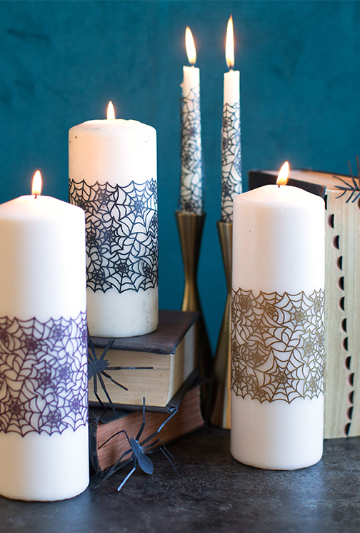 E não se esqueça que uma decoração de halloween não pode faltar velas!