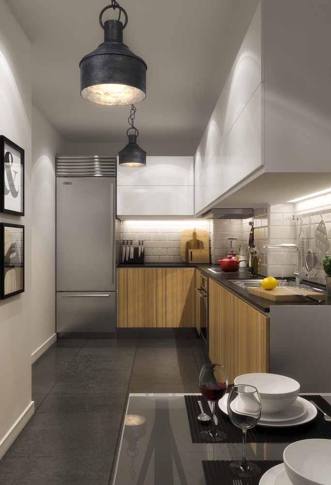 Pendentes rústico e um toque de industrial para sua cozinha