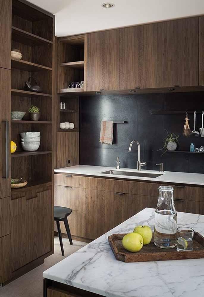 Cozinha rústica e de luxo com decoração fantástica