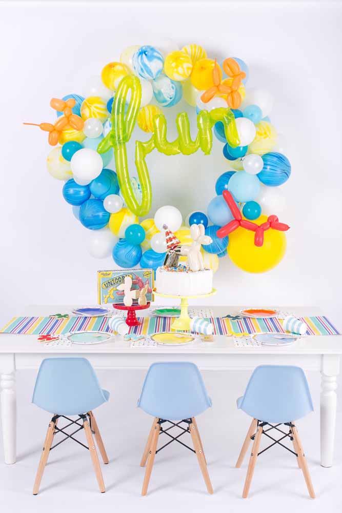 Personalize os balões com letras e bichinhos