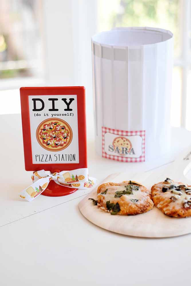 Faça um cantinho personalizado para servir as pizzas