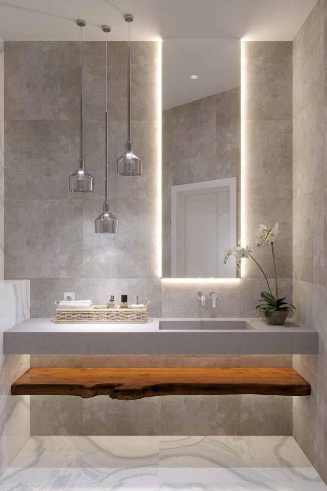 Nos coringas que trazem amplitude para o espaço, a luz e o espelho, a fita de LED é a queridinha dos decoradores
