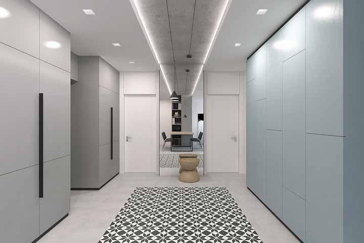 A fita de LED também pode ser usada na decoração como uma indicação de caminho, como nos corredores ou em ambientes intermediários