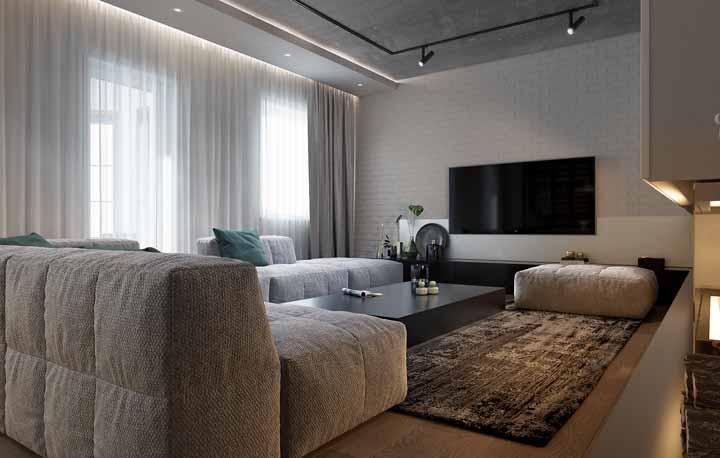 Para a decoração de sala de TV, a luz de LED também ajuda a criar o clima perfeito para ver suas séries e filmes favoritos