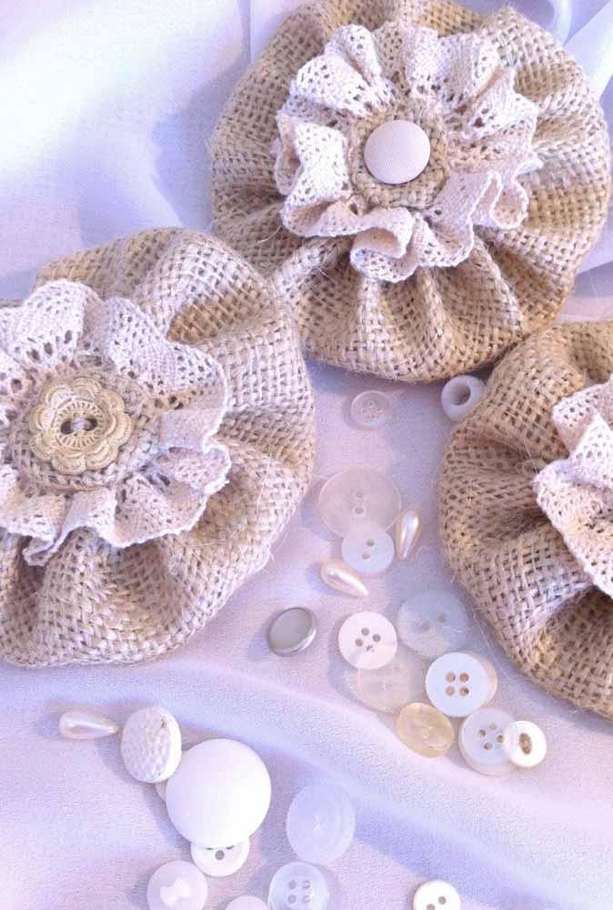 Flores de fuxico: uma ideia simples para fazer e decorar em diversos tamanhos, cores e tecidos